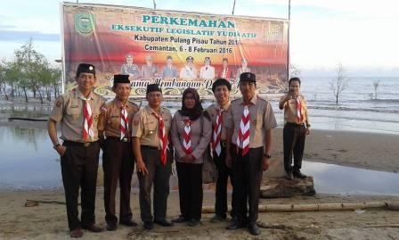 Suasana Kemah Ely yang diikuti para pajabat di Pantai Cemantan, Kabupaten Pulang Pisau.
