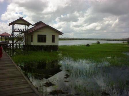 Danau Bulat, Desa Jahanjang