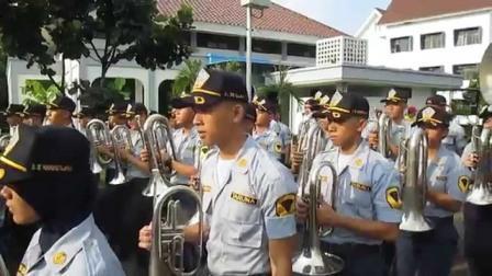 TARUNA STTD: Taruna Cao đẳng Giao thông vận tải đất (STTD), Bekasi hiệu suất kỹ năng hiện tại .. Một thiếu sinh quân diễu hành ban nhạc gốc Kateng sa thải vì vô kỷ luật.  Học viên bây giờ phải bồi thường chi phí đã được chính quyền tỉnh Tây Kalimantan.