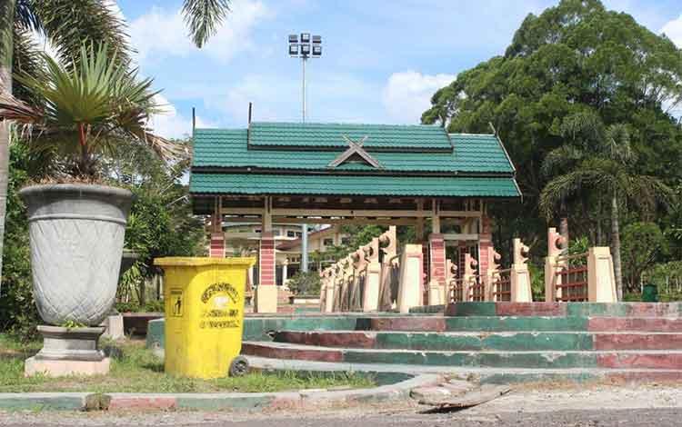 Pangkalan Bun Park di Jalan HM Rafii, Pangkalan Bun, Kotawaringin Barat, Kalimantan Tengah. Wakil Ketua II DPRD Kobar, Ahmadi Riansyah, Senin (23/5/2016) meminta kawasan wisata itu dibersihkan dari praktik prostitusi di malam hari. BORNEO/DOK