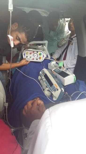 Proses evakuasi Dokter Arifin K Anwar (36), dari Bajawa, Ngada, Nusa Tenggara Timur, Sabtu (21/5/2016) pagi. BORNEO/Detikcom.