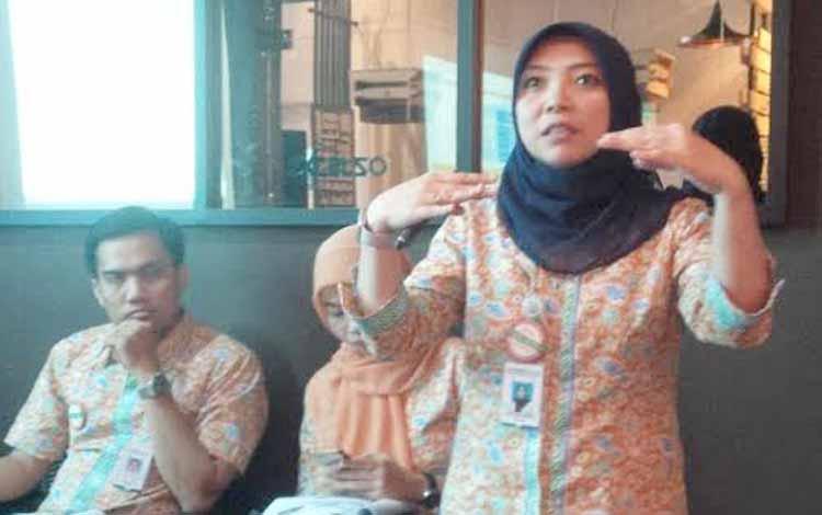 Kepala BPJS Kesehatan Cabang Palangka Raya Fitria N Pulukadang. BORNEONEWS/ROZIKIN