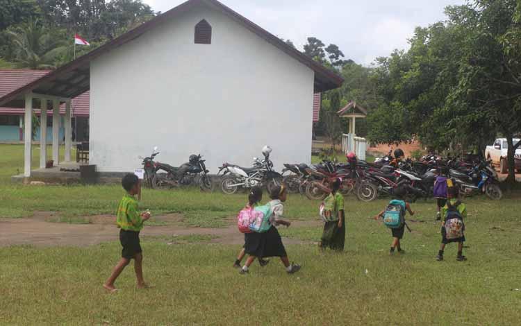 Kiprah gubernur baru Kalimantan Tengah ditunggu untuk membenahi semua bidang termasuk pendidikan. BORNEONEWS/HENDI NURFALAH