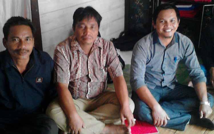Misian saat melakukan reses di Desa Baratu Kecamatan Permata Intan, beberapa waktu lalu.