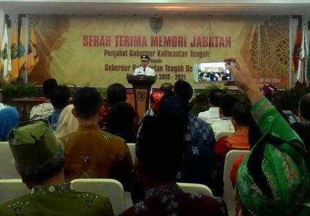 Gubernur Kalimantan Tengah 2016-2021, Sugianto Sabran dalam pidatonya, usai serah terima jabatan dari Pj. Gubernur Hadi Prabowo, Kamis (26/5/2016).