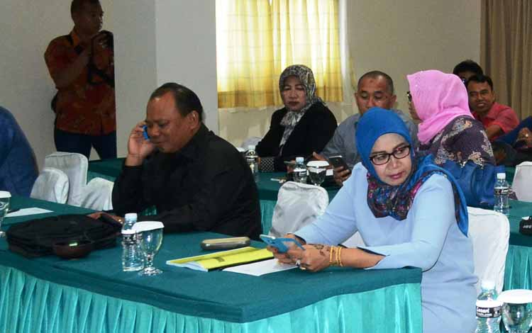 Sejumlah anggota DPRD Barito Utara mengikuti pembahasan pada kunjungan kerja di Jakarta, beberapa waktu lalu. BORNEONEWS/RAMADANI