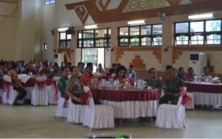 Bupati Barsel HM Farid Yusran, Wakil Bupati Satya Titiek Atyani Djoedir, dalam acara launching pembentukan Tim Pengawal dan Pengaman Pemerintahan dan Pembangunan (TP4D), BORNEONEWS/URIUTU DJAPER