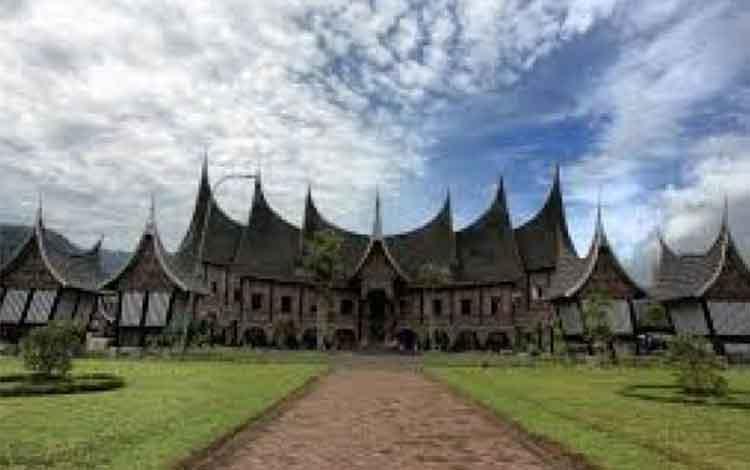 Rumah Gadang, Sumatera Barat. ISTIMEWA