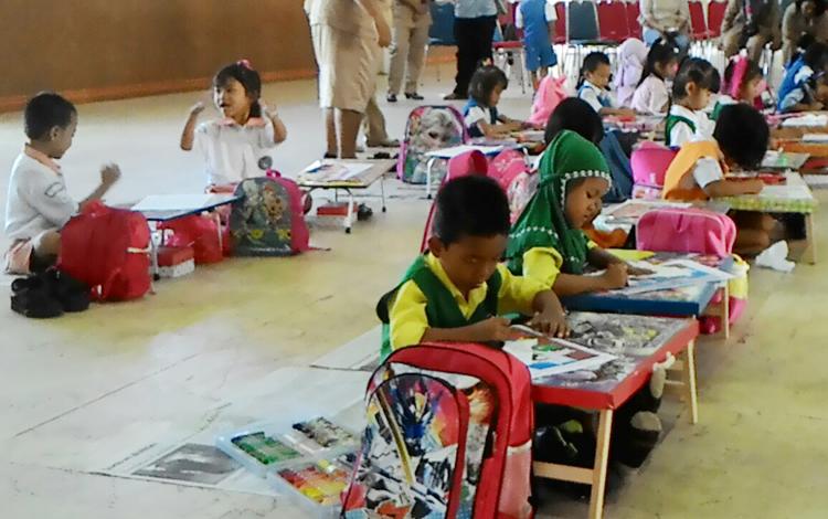 52 Anak Usia Dini Bersaing Dalam Lomba Menggambar Di Buntok