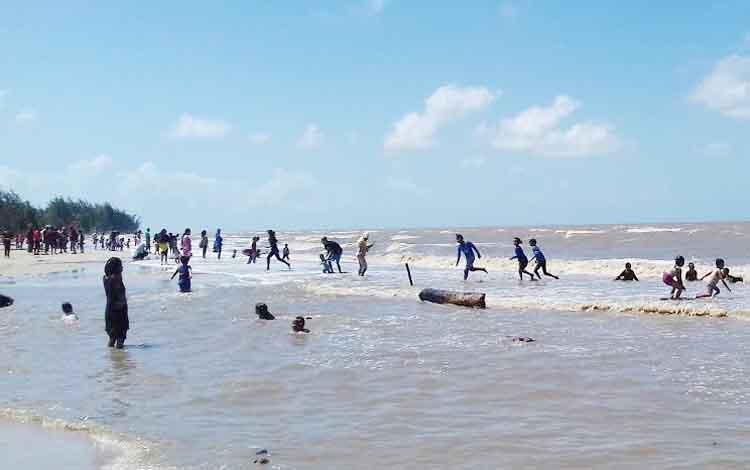 Pantai Anugrah Sukamara.