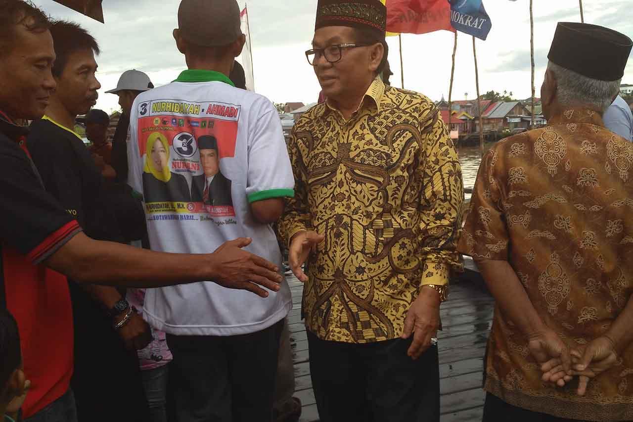 Warga Kelurahan Mendawai Seberang, Kecamatan Arut Selatan mengeluhkan minimnya tenaga kesehatan di puskesmas pembantu (pustu) . BORNEONEWS/KOKO SULISTYO