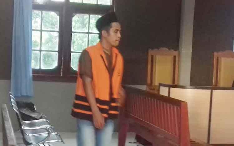 Samsul Arifin terdakwa kasus pembunuhan.