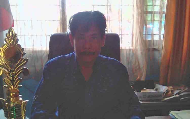 Kepala SMAN 1 Tamiang Layang, Rogan Gunawan.