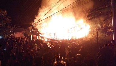 Kebakaran di Gang PLN Kota Puruk Cahu, Senin (29/5/2017) malam