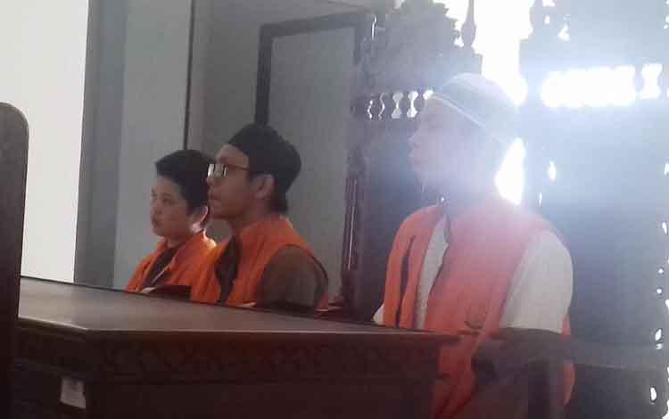 Mariamah alias Yayah, Agus Arianto alias Sugus dan Rizky Pratama Septian terdakwa sabu.