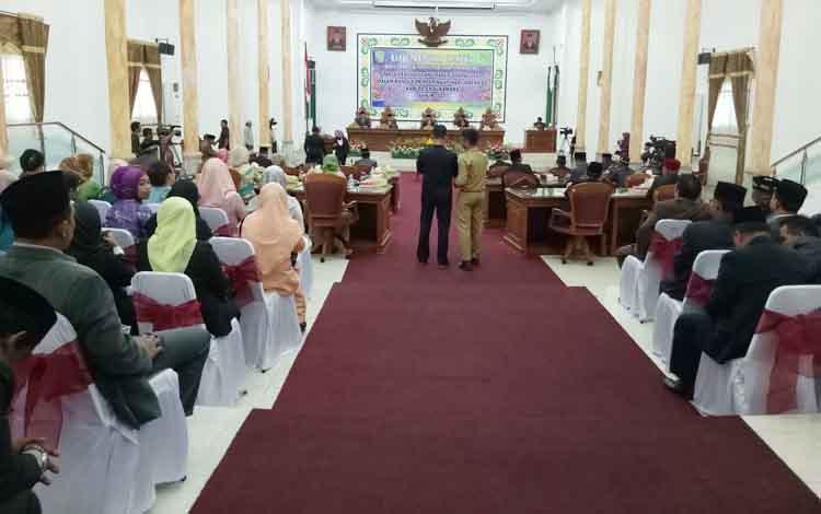DPRD Kabupaten Sukamara saat menggelar rapat paripurna istimewa beberapa waktu lalu.