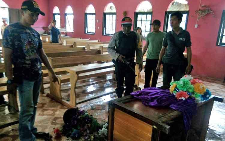 Gereja yang dirusak Suryanada, seorang yang yang mengalami sakit kejiwaan.