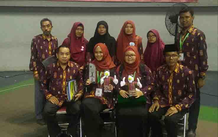 Dua siswi asal Kotim berhasil meraih juara pertama karya tulis ilmiah tingkat Nasional.