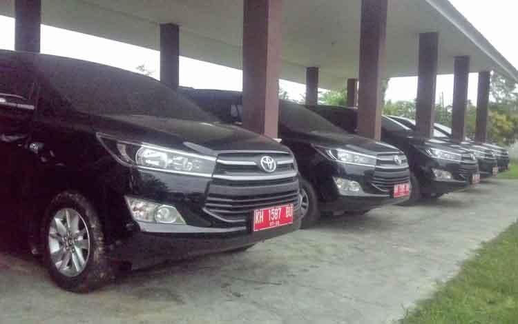 Mobil dinas DPRD Kapuas