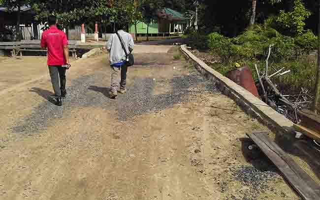 Salah satu pembangunan infrastruktur menggunakan anggaran desa, di Desa Henda, Kecamatan Jabiren Raya.