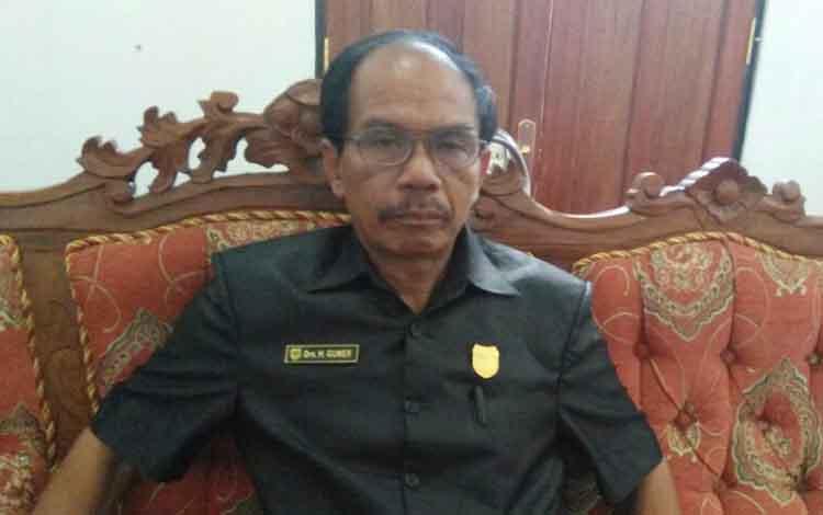 Ketua DPRD Gunung Mas, Gumer
