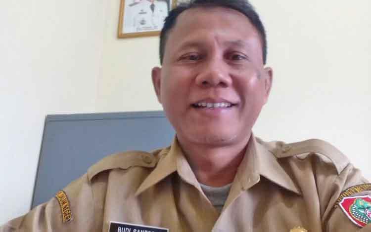 Kepala KPHP Unit ll Kabupaten Murung Raya (Mura) Budi Santosa