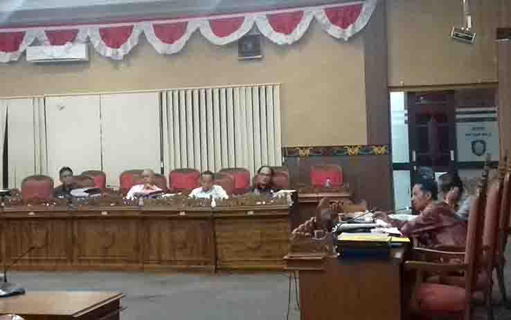 Pembahasan RAPBD Perubahan 2017 di DPRD Kotim.