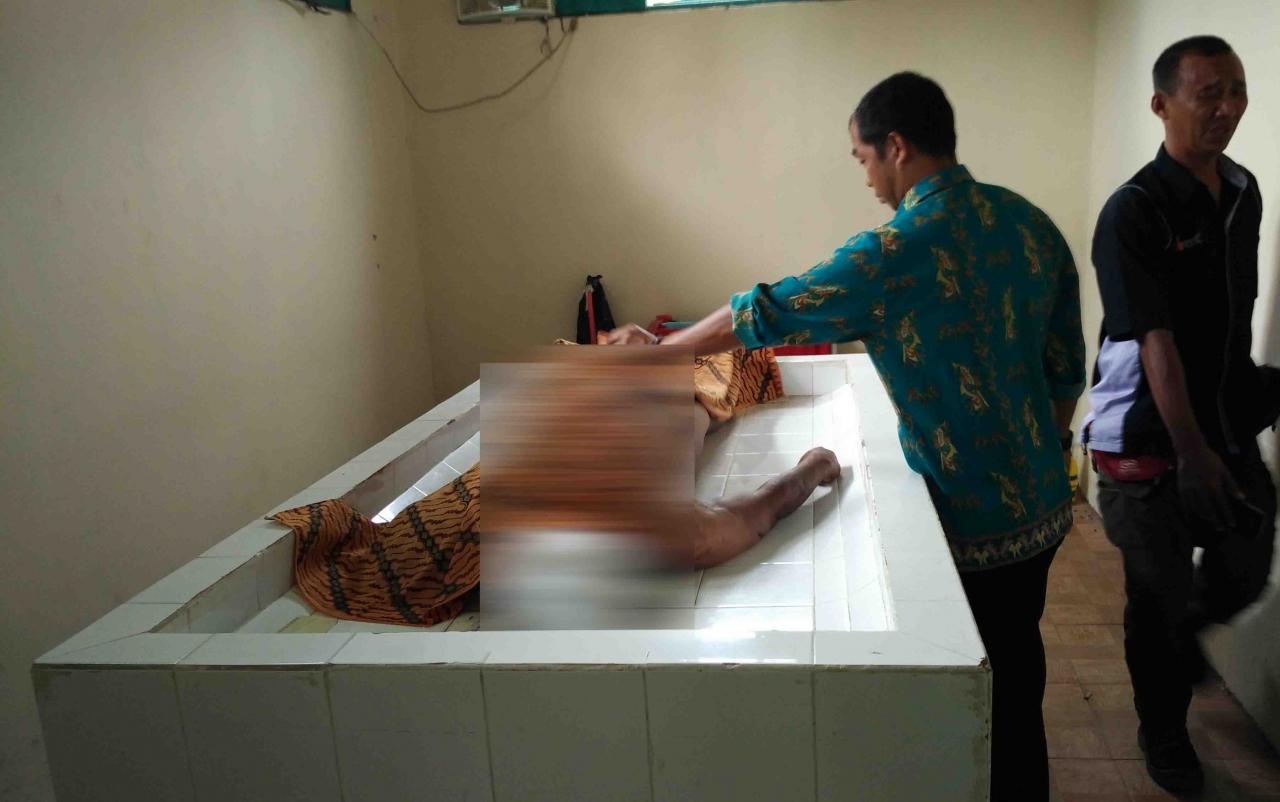Korban tabrak lari yang masih berada di kamar mayat RSUD dr Murjani Sampit.