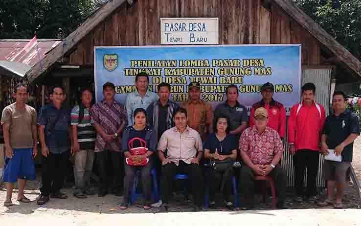 Penilaian lomba untuk Pasar Desa Tewai Baru, Kecamatan Sepang, Sabtu (9/9/2017).