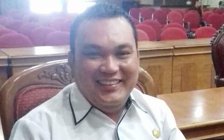 Ketua Fraksi Partai Demokrat H Dani Rakhman.