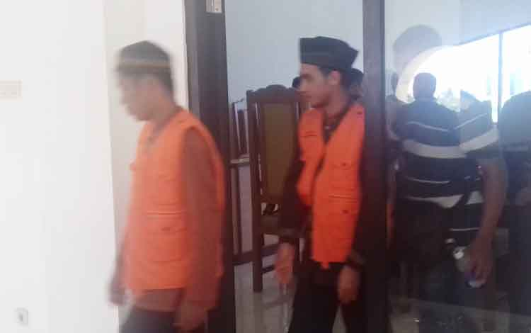 M Badarudin alias Udin (27) dan M Halianor alias Mahli (29) terdakwa kasus sabu