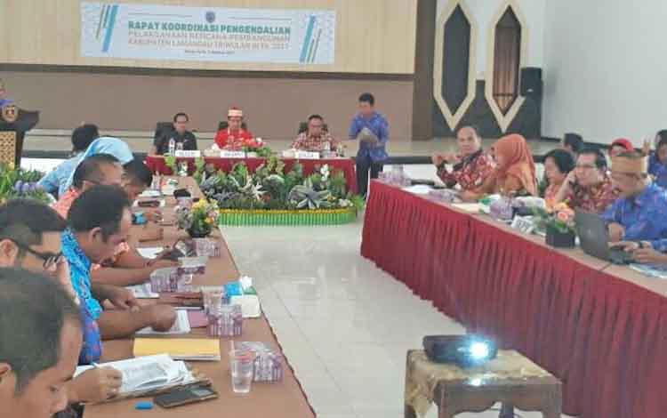 Suasana rakordal triwulan III di Aula Bappeda Lamandau, Kamis (5/10/2017).