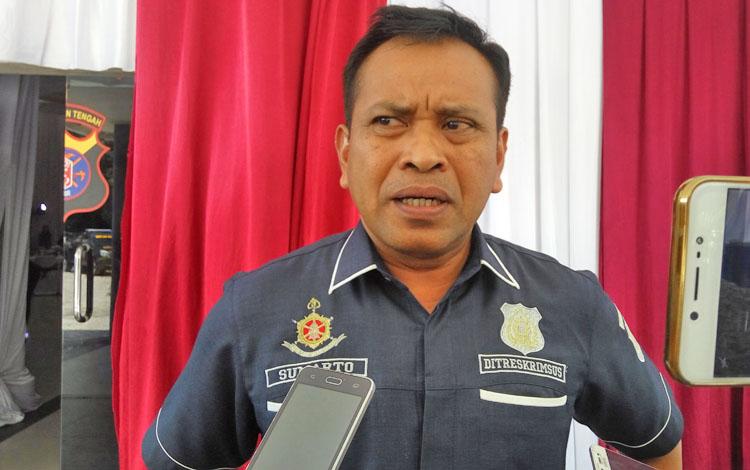 Dirreskrimsus Polda Kalteng Kombes Pol Sumarto memberikan keterangan kepada wartawan, Kamis (8/2/2018).