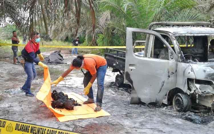 Evakuasi jasad bos kelapa sawit oleh Polres Kotim, beberapa waktu lalu