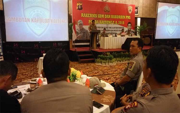 Kapolda Kalteng Brigadir Jenderal Anang Revandoko memberikan sambutan