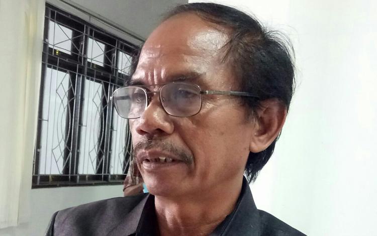 Gumer, Ketua Sementara DPRD Kabupaten Gunung Mas. Dia mengajak masyarakat untuk mempertahankan nilai - nilai pancasila
