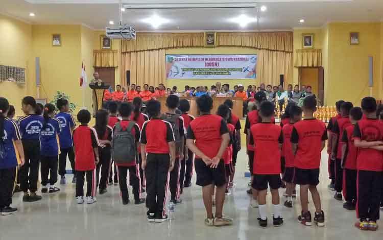 Pembukaan kegiatan OOSN tingkat Pendas Kabupaten Sukamara yang digelar di BPG Sukamara.