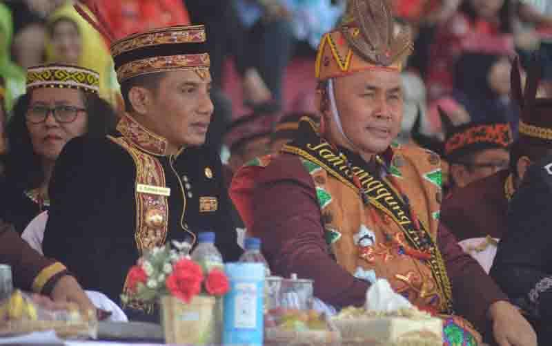 Gubernur Kalteng Sugianto Sabran bersama Bupati Kotim Supian Hadi.