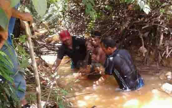 Pria dengan Luka Gorok di Leher Ditemukan di Dasar Sungai Sedalam 3 Meter