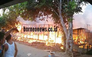 Kawasan Pasar di Kelurahan Tumbang Talaken Terbakar