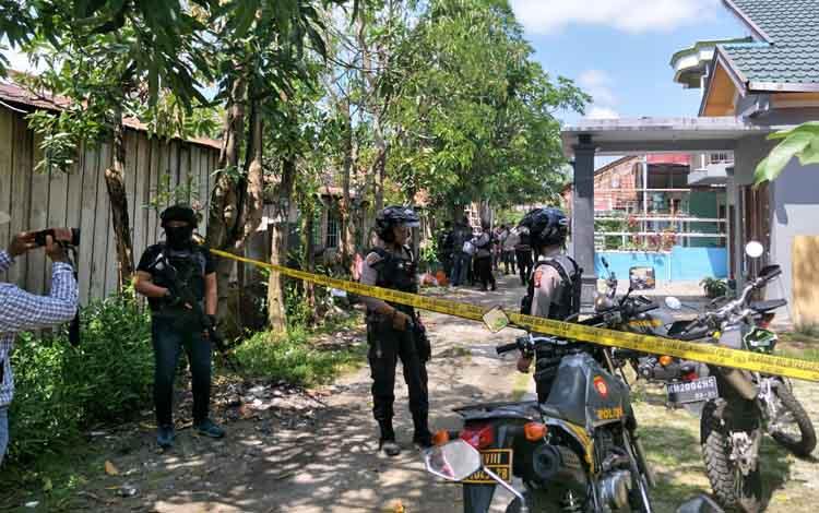 Penangkapan terduga teroris di Palangka Raya, beberapa waktu lalu.