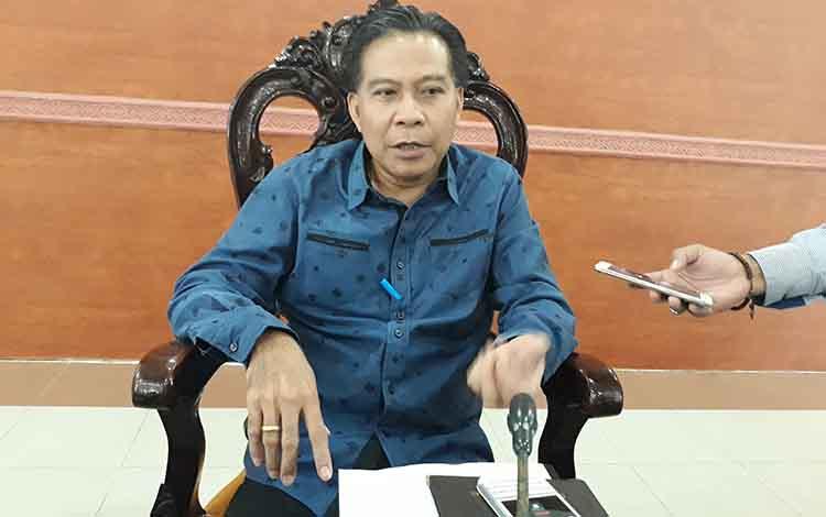 Anggota DPRD Kabupaten Kapuas, Algrin Gasan berharap rehabilitasi saluran air merupakan salah satu fungsinya untuk akses masyarakat Desa Saka Mangkahai bisa terlaksana