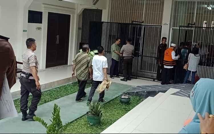 Tahanan sidang di Pengadilan Negeri Sampit.
