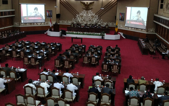 Rapat Paripurna DPRD Kalteng, Rabu (13/11/2018).