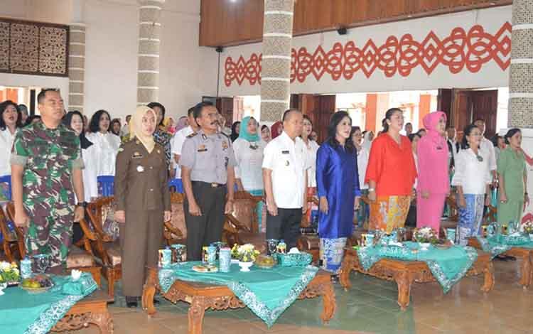 Suasana saat pembukaan lomba memperingati Hari Pahlawan di Aula Kantor Bupati Kapuas, Rabu (14/11/2018)