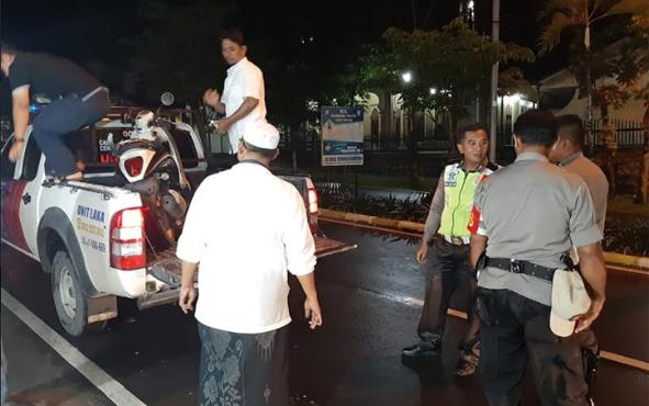 Sepeda motor Honda Scoppy yang menabrak bagian belakang mobil mogok di Jalan Pangeran Diponegoro, Pangkalan Bun, diamankan jajaran Satlantas Polres Kobar.