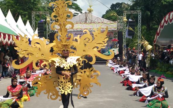 Sampit Ethnik Carnival.
