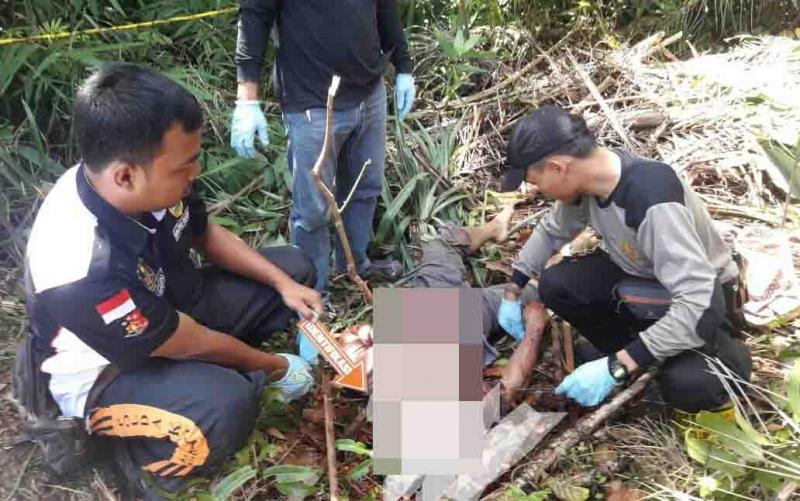 Polisi mengidentifikasi jasad korban pembunuhan di Gunung Mas.