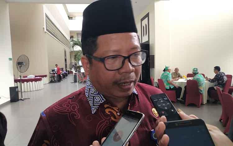 Kepala Kemenag Kalteng Masrawan