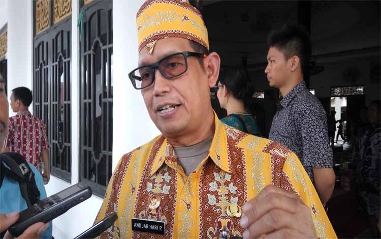 Kepala Dinas Kesehatan Kota Palangka Raya, Andjar Hari Purnomo mengatakan langkah pihaknya untuk mencegah meluasnya DBD.